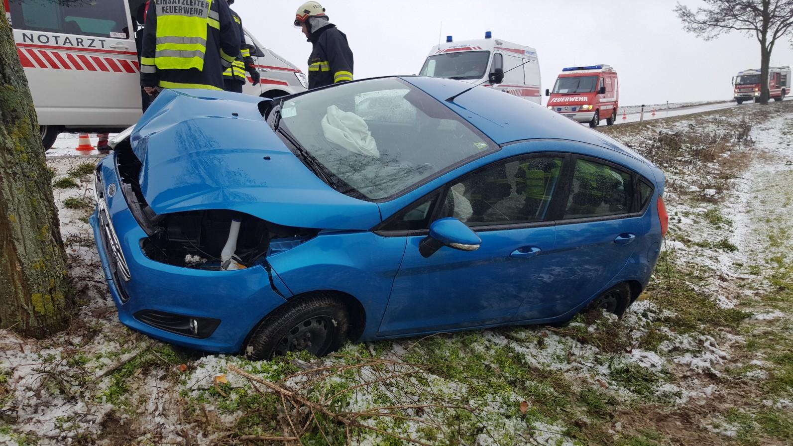 Fahrzeugbergung (T1) - Schrick (L16) - 19.1.2020